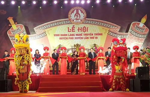 В Ханое открылся праздник «День традиционной ремесленной деревни «Фусуен»» - ảnh 1