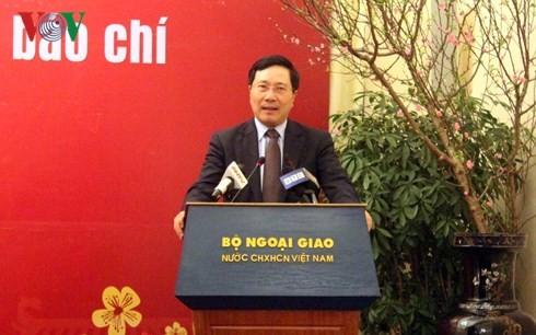 СМИ вносят важный вклад в повышение позиции Вьетнама на международной арене - ảnh 1