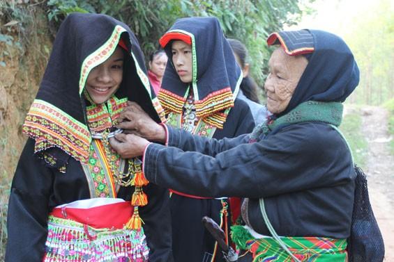 Своеобразная культура субэтнической группы Зао Ло Ганг народности Зао в провинции Тхайнгуен - ảnh 1