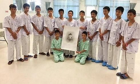 Все члены подросткой футбольной команды Таиланда вернулись домой - ảnh 1