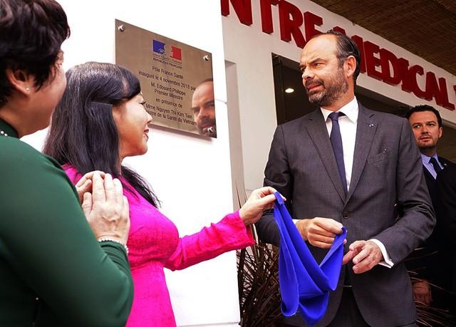 Премьер-министр Франции принял участие в церемонии открытия Французского центра медицины в Хошимине - ảnh 1
