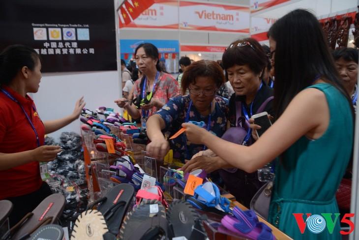 越南品牌在第13届东博会上广受欢迎 - ảnh 3