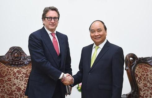 阮春福会见美国先驱资本伙伴基金董事长法尔科内 - ảnh 1