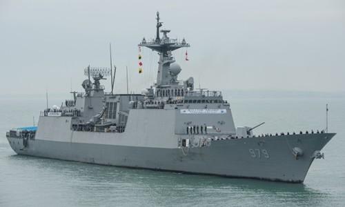 韩日美举行联合反潜演习 应对朝鲜潜艇威胁 - ảnh 1