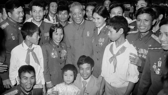 黎笋总书记——杰出领导人、越南民族的优秀儿子 - ảnh 1