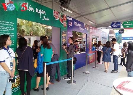 越南最大的国际旅游展开幕 - ảnh 1