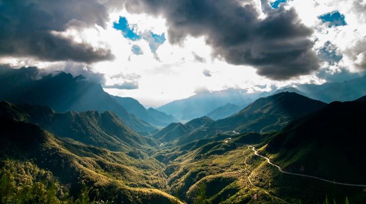 背包旅游——越南年轻人的旅游热潮 - ảnh 1