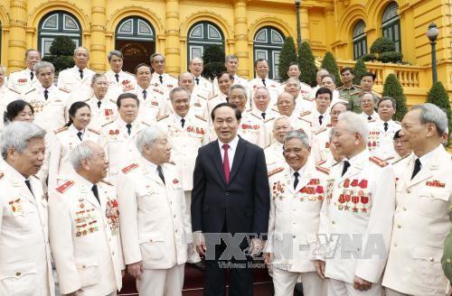 陈大光会见支援南方战场的公安部干部代表 - ảnh 1