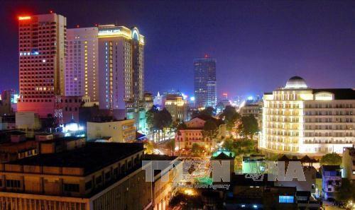 越南南方解放国家统一42周年纪念活动纷纷举行 - ảnh 1