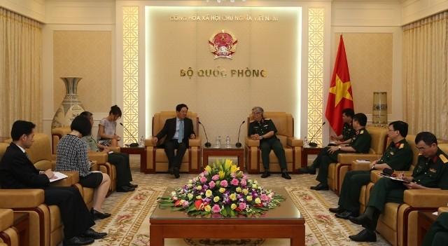 阮志咏上将会见中国驻越大使洪小勇 - ảnh 1