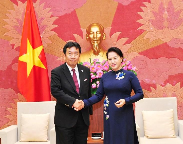 越南希望更全面和务实发展与日本的关系 - ảnh 1
