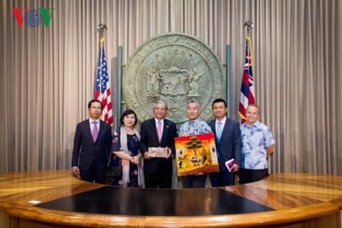 越南驻美大使范光荣正式访问美国太平洋司令部和夏威夷州 - ảnh 1
