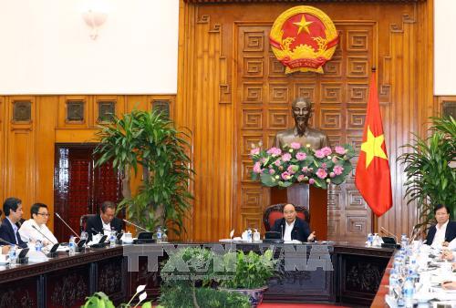 阮春福与三所大学领导举行座谈 - ảnh 1