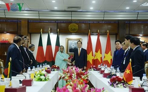 越南国家主席陈大光与孟加拉国总理哈西娜举行会谈 - ảnh 1