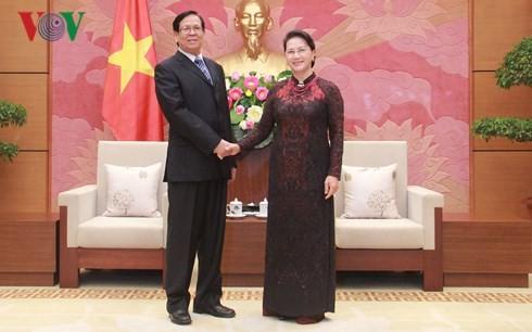 阮氏金银会见缅甸民族院副议长吴埃达昂 - ảnh 1