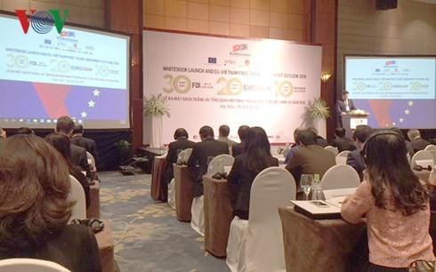 越南欧洲商会发表第十部白皮书并展望2018年越欧自贸协定总体情况 - ảnh 1