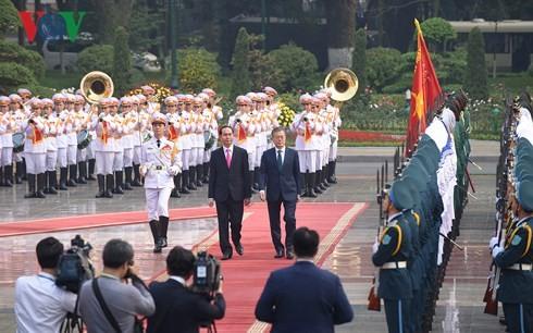 陈大光主持仪式欢迎韩国总统文在寅 - ảnh 1