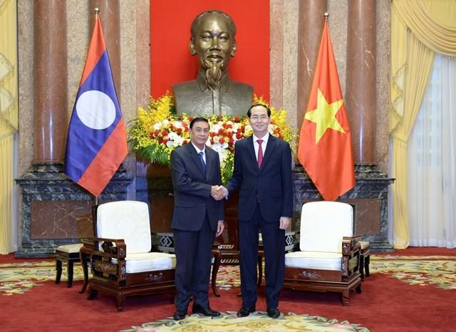 陈大光会见老挝国家主席办公室主任坎蒙• 蓬塔迪 - ảnh 1