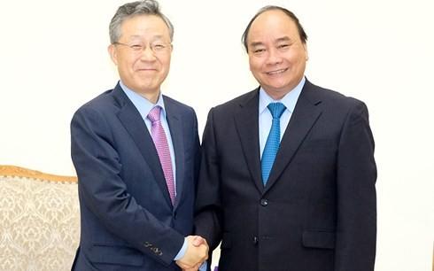 阮春福会见韩国政府政策协调办公室前部长尹大熙 - ảnh 1
