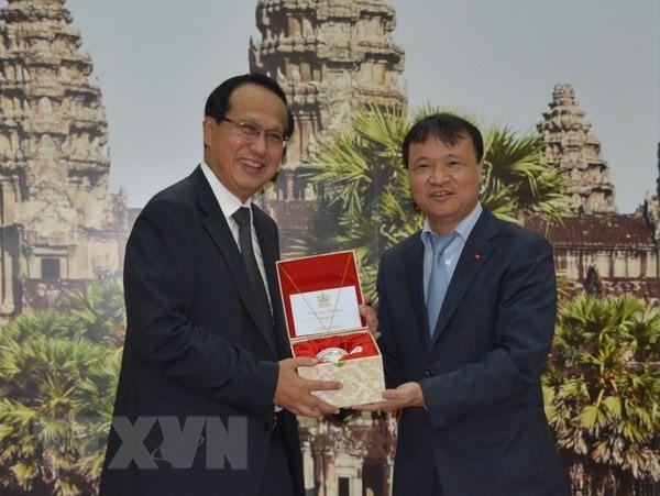 越南与柬埔寨加强双边贸易交流 - ảnh 1
