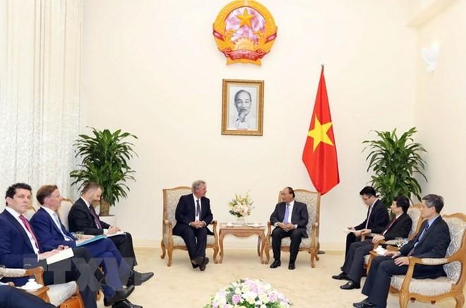 越南政府总理阮春福会见卢森堡外交和欧洲事务大臣阿瑟伯恩 - ảnh 1