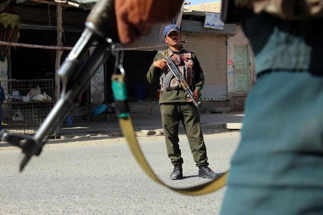 阿富汗总统加尼延长与塔利班的停火协议 - ảnh 1