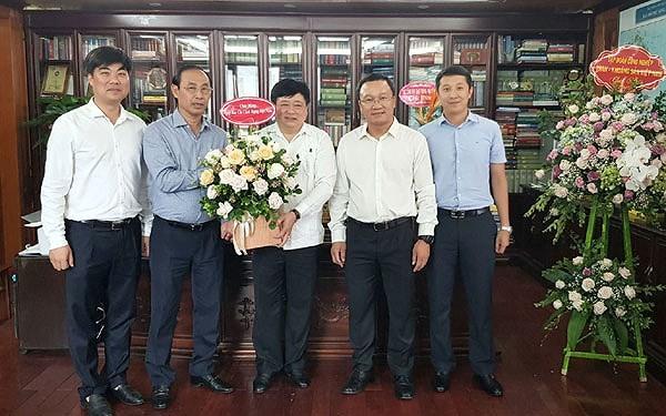 越南媒体举行活动庆祝革命新闻节 - ảnh 1