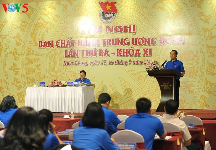 越南胡志明共产主义青年团第十一届中央委员会举行第三次会议 - ảnh 1