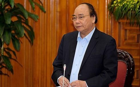 阮春福与总理经济咨询小组举行工作会议 - ảnh 1