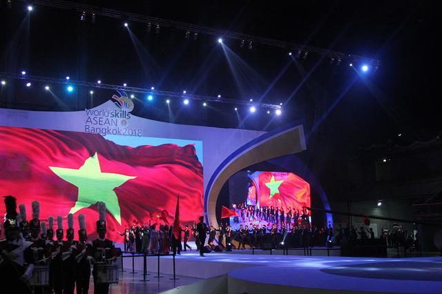 越南代表团位居第12届东盟职业技能大赛金牌榜第二位 - ảnh 1