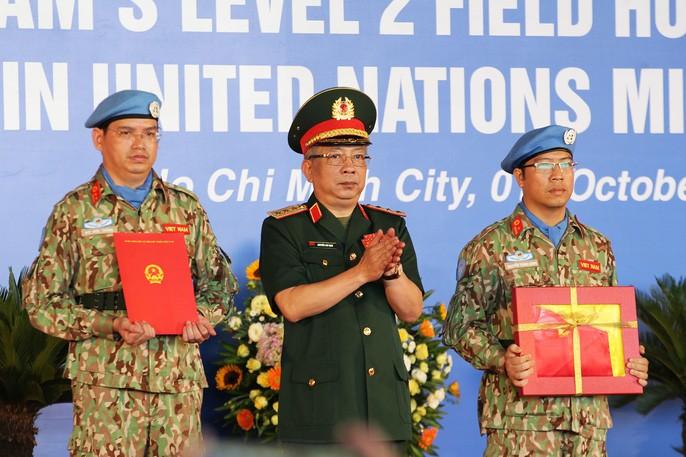 越南二级野战医院赴南苏丹执行任务出征仪式举行 - ảnh 1