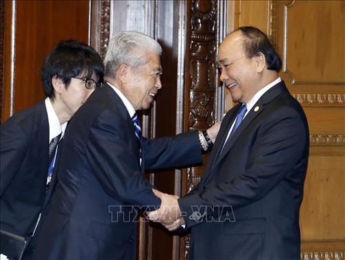 越南政府总理阮春福分别会见日本参众两院议长 - ảnh 2