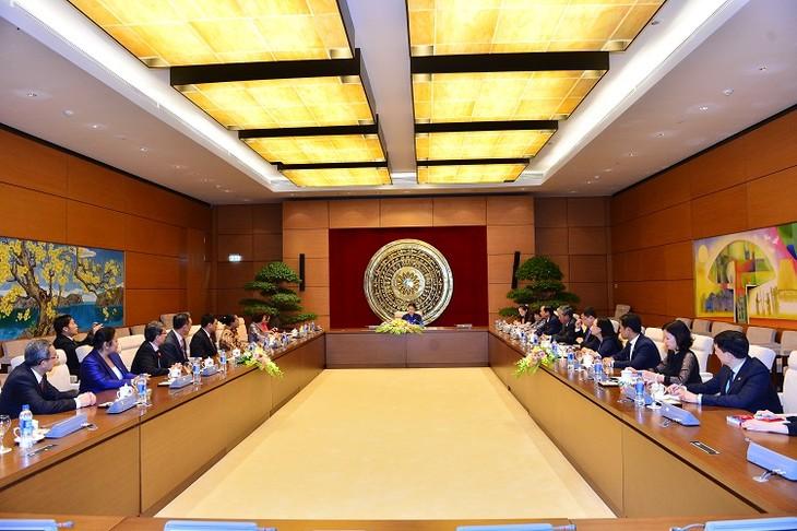阮氏金银会见出席第三届东盟妇女工作部长会议的各国代表团团长 - ảnh 1