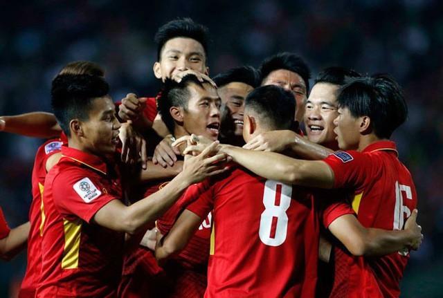 越南足球队在东南亚地区排名首位  - ảnh 1