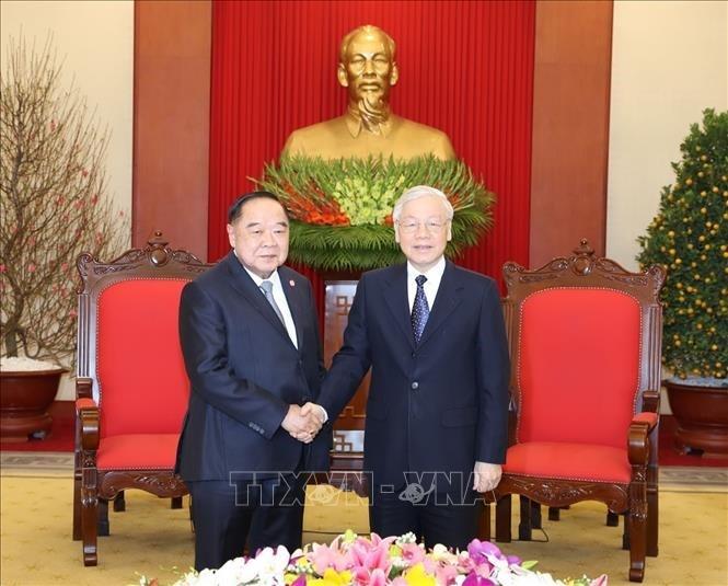 越共中央总书记、国家主席阮富仲会见泰国副总理兼国防部长巴维 - ảnh 1