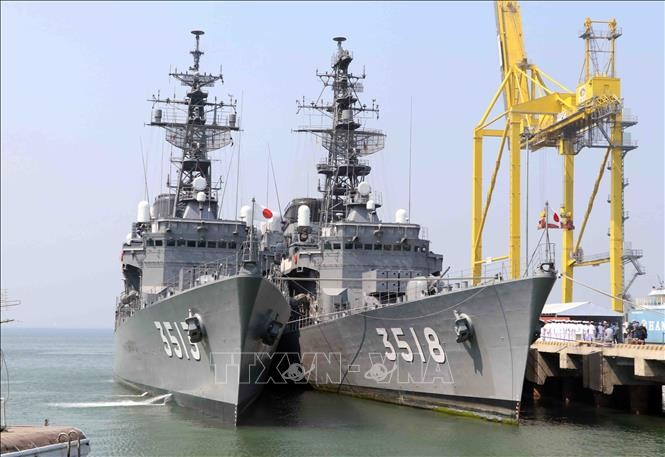 日本自卫队军舰访问岘港市 - ảnh 1