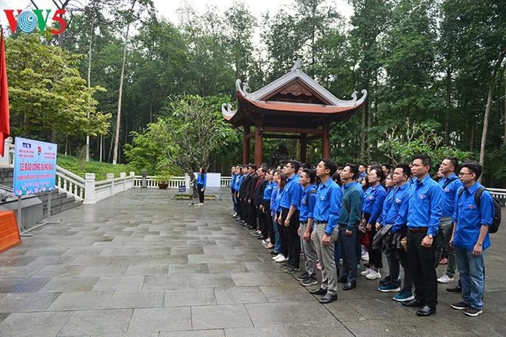 越南之声组织志愿活动响应青年月 - ảnh 3