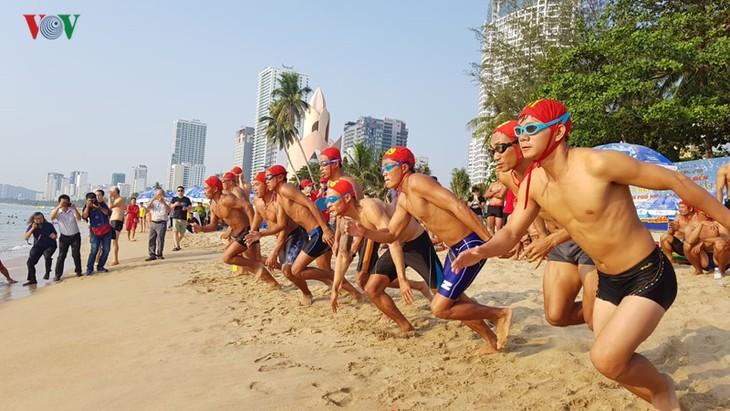 响应芽庄海洋节的多项体育活动举行 - ảnh 1