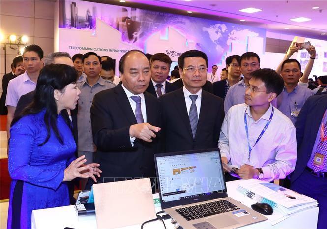 """""""在越南创新、在越南设计、越南掌握技术并主动生产""""是越南技术企业的口号 - ảnh 1"""