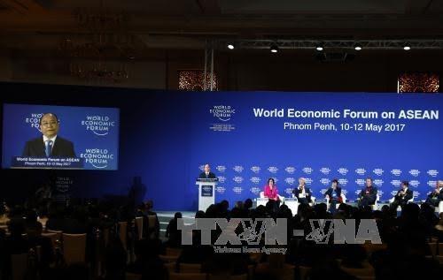 នាយករដ្ឋមន្ត្រី លោក Nguyen Xuan Phuc បញ្ចប់ប្រកបដោយជោគជ័យដំណើរទស្សនកិច្ចចូលរួមសន្និសីទ WEF ASEAN - ảnh 1
