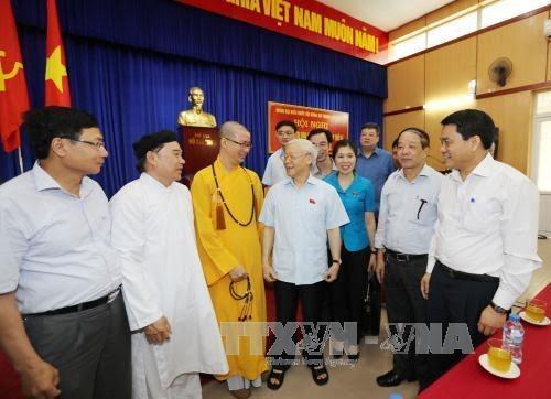 អគ្គលេខាបក្ស លោក Nguyen Phu Trong ជួបប្រាស្រ័យជាមួយអ្នកបោះឆ្នោត - ảnh 1