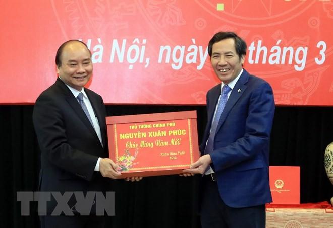 នាយករដ្ឋមន្រ្តី លោក Nguyen Xuan Phuc អញ្ជើញជួបធ្វើការនៅ កាសែត Nhan Dan - ảnh 1