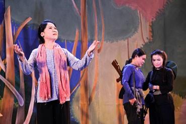 """រឿងល្ខោន Cai luong """"ផ្កា Man ពណ៌ស"""" - ảnh 1"""