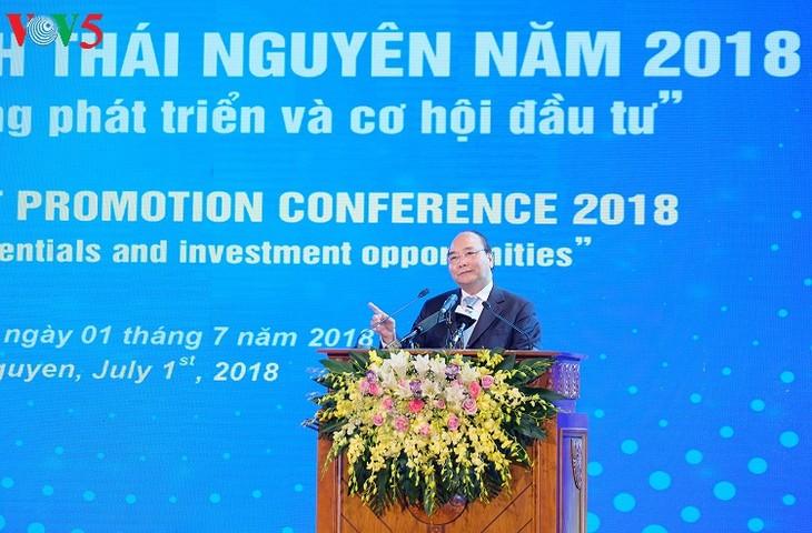 នាយករដ្ឋមន្ត្រីវៀតណាម លោក Nguyen Xuan Phuc អញ្ជើញចូលរួមសន្និសីទពន្លឿនការវិនយោគនៅខេត្ត Thai Nguyen - ảnh 1