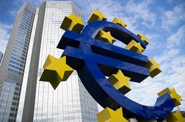 ភាពតានតឹងពាណិជ្ជកម្មបានគំរាមកំហែងដល់កំណើនសេដ្ឋកិច្ច Eurozone - ảnh 1