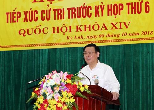 ឧបនាយករដ្ឋមន្ត្រីវៀតណាមលោក Vuong Dinh Hue ជួបប្រាស្រ័យជាមួយអ្នកបោះឆ្នោតនៅខេត្ត Ha Tinh - ảnh 1