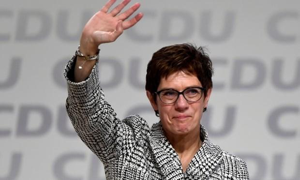 លោកស្រី Annegret Kramp-Karrenbauer ក្លាយជាប្រធានថ្មីនៃគណបក្ស CDU - ảnh 1