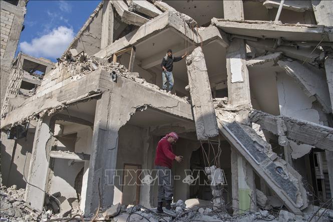 ប្រទេសស៊ីរី- មនុស្សជាច្រើននាក់បានស្លាប់ក្នុងការបំផ្ទុះគ្រាប់បែកនៅទីក្រុង Raqqa - ảnh 1