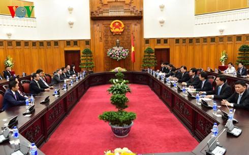 Phó Thủ tướng Trịnh Đình Dũng tiếp Trưởng đại diện JICA tại Việt Nam và đoàn doanh nghiệp nước ngoài - ảnh 1
