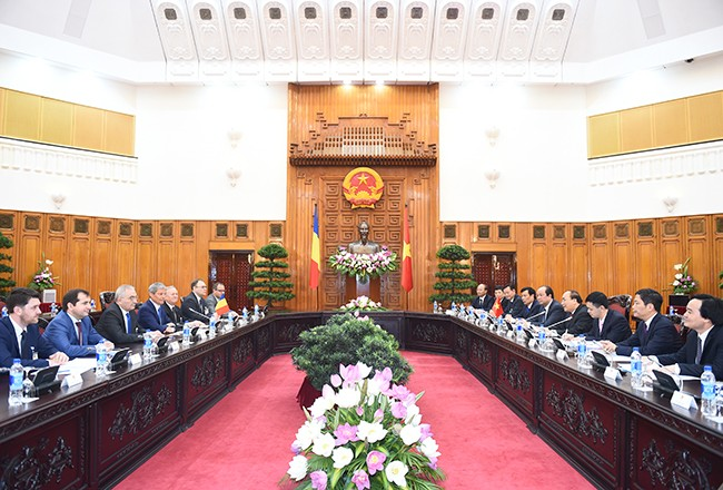 Thủ tướng Romania kết thúc tốt đẹp chuyến thăm chính thức Việt Nam     - ảnh 1